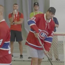 Plekanec et Matteau jouent au hockey balle!