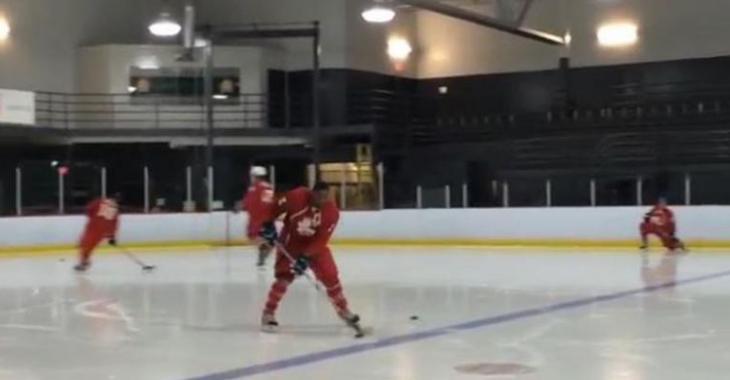 VIDÉO: Jean Pascal, le joueur de hockey!