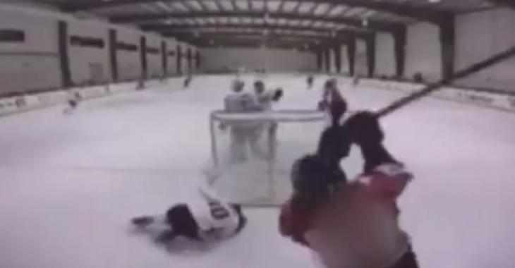 Une attaque d'une rare violence dans une ligue de hockey mineur!