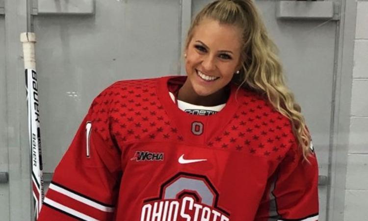 On a possiblement trouvé la joueuse de hockey la plus sexy au monde!