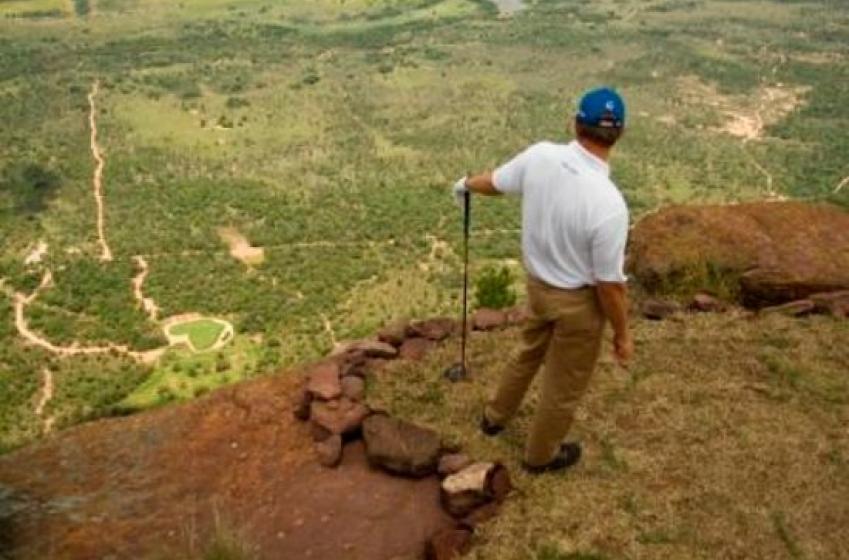 Un club de golf vous offre 1 million si vous réussissez ce trou d'un coup!