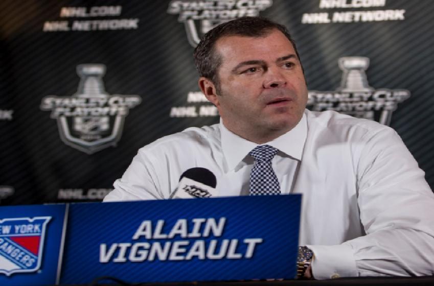 Alain Vigneault dévoile la raison derrière ses faux trios!