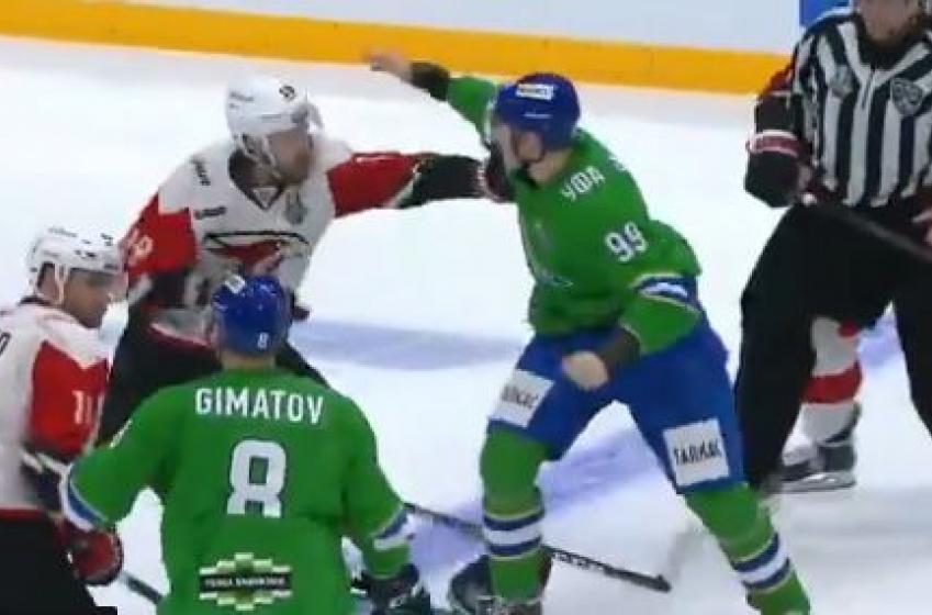 Bagarre générale en pleine finale de conférence dans la KHL!