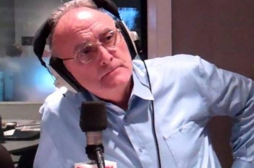 Ron fait fâcher un collègue en direct à la radio!