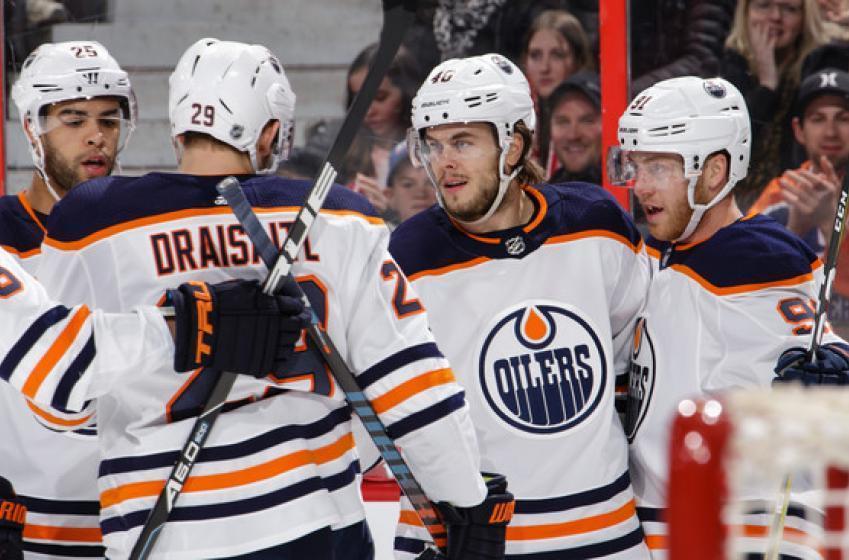 Les Oilers ont suspendu un de leurs attaquants pour un geste inacceptable!