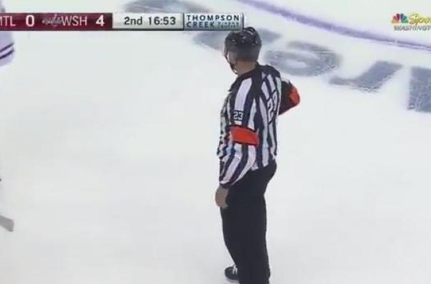 Un arbitre oublie de fermer son micro dans un match du CH!