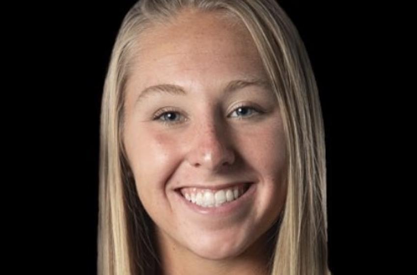 La jeune gymnaste Melanie Coleman meurt lors d'une terrible chute pendant un entraînement.
