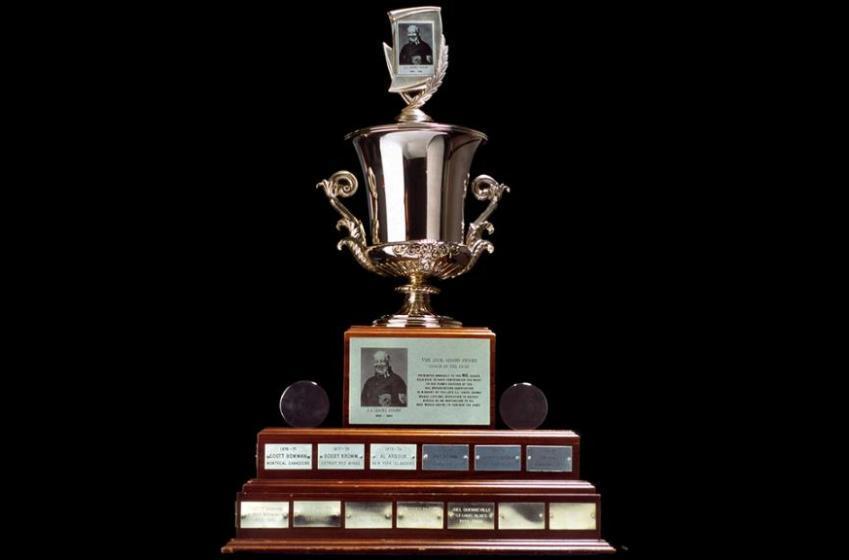 La LNH annonce les trois candidats pour le trophée Jack Adams
