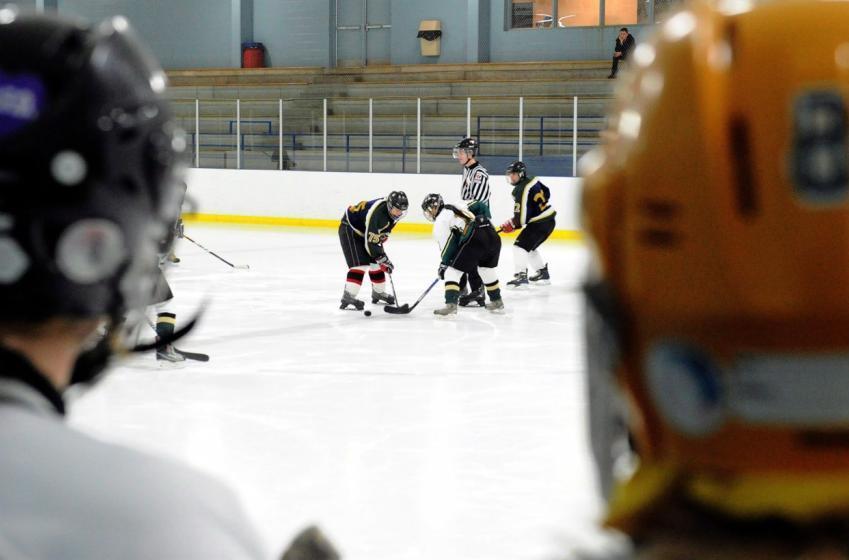 100 000 jeunes hockeyeurs privés de leur sport