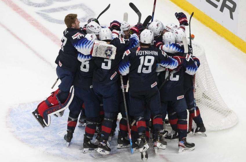 Cole Caufield et les États-Unis remportent la médaille d'or (VIDÉO)