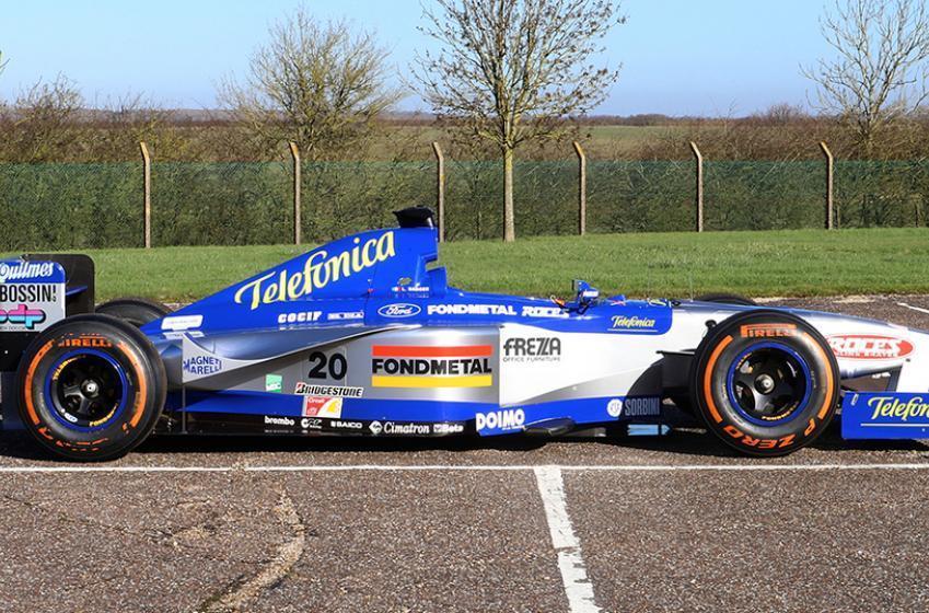 Cette voiture authentique de Formule 1 Minardi M198 pourrait être à vous