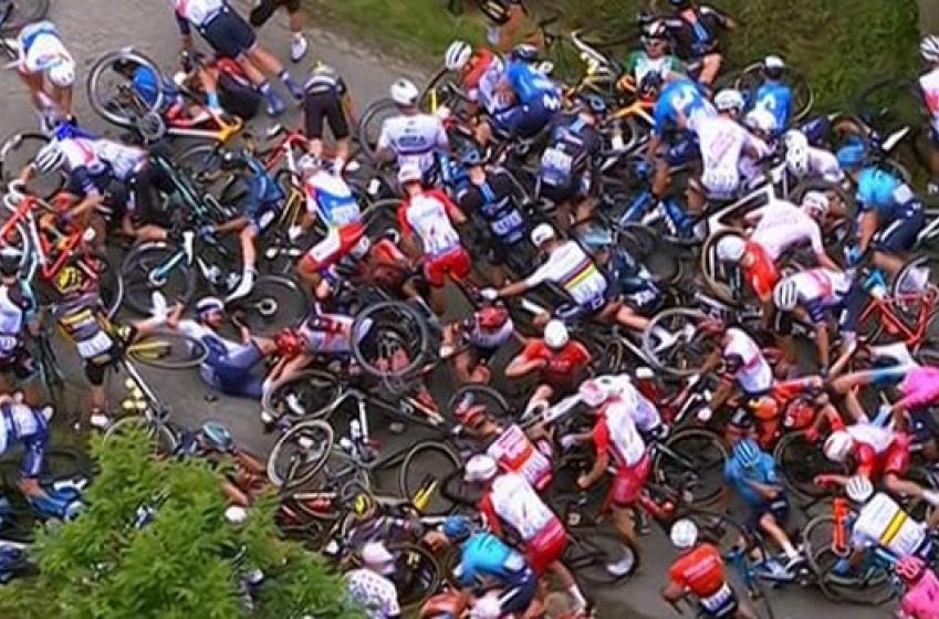 Une enquête a été ouverte contre la spectatrice qui a causé le gros accident au Tour de France